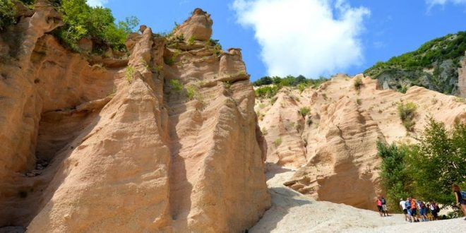 Lame Rosse salita tra le rocce