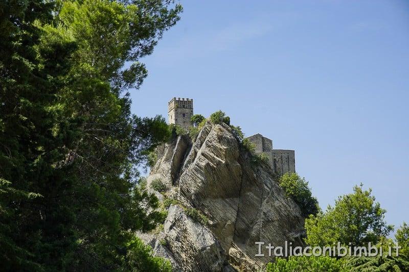 Rocca Scalegna - veduta dal paese