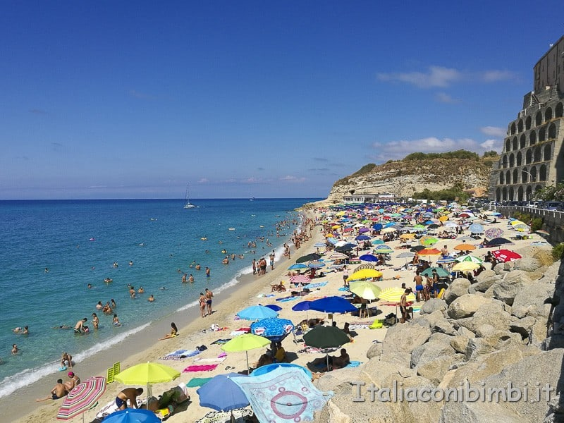 Tropea- spiaggia della rotonda