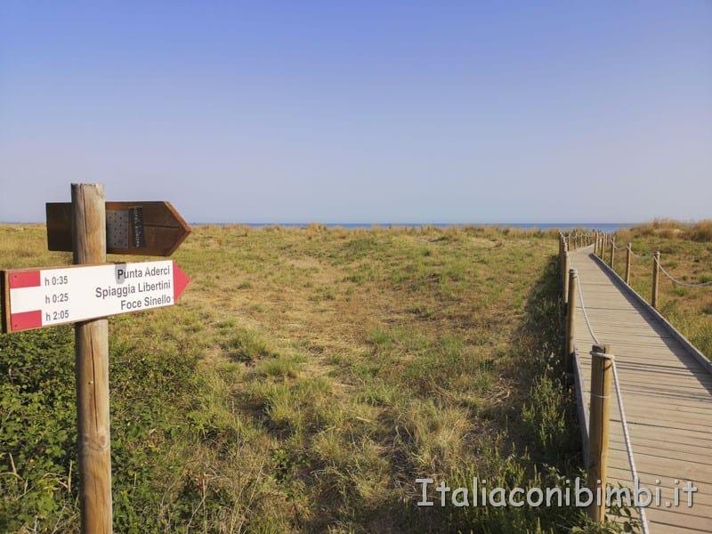 Vasto - passerella verso la spiaggia di Punta Penna