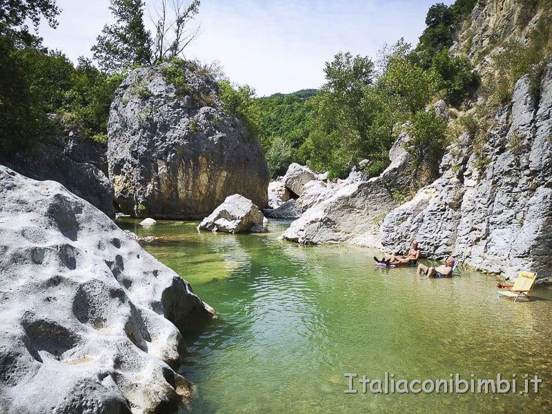 Villa Santa Maria - laghetto naturale nelle piscine del fiume Sangro