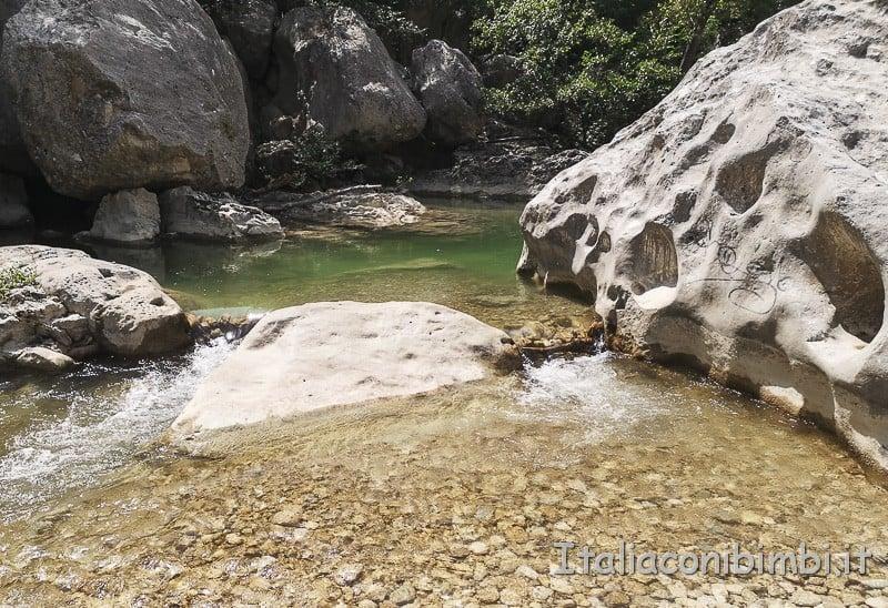 Villa Santa Maria - spiaggetta nelle piscine del fiume Sangro