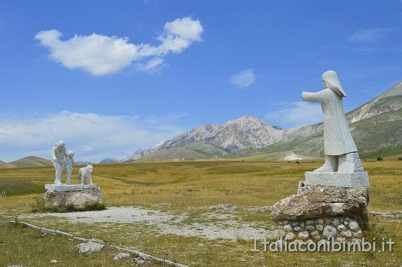 Campo Imperatore- monumento al Pastore