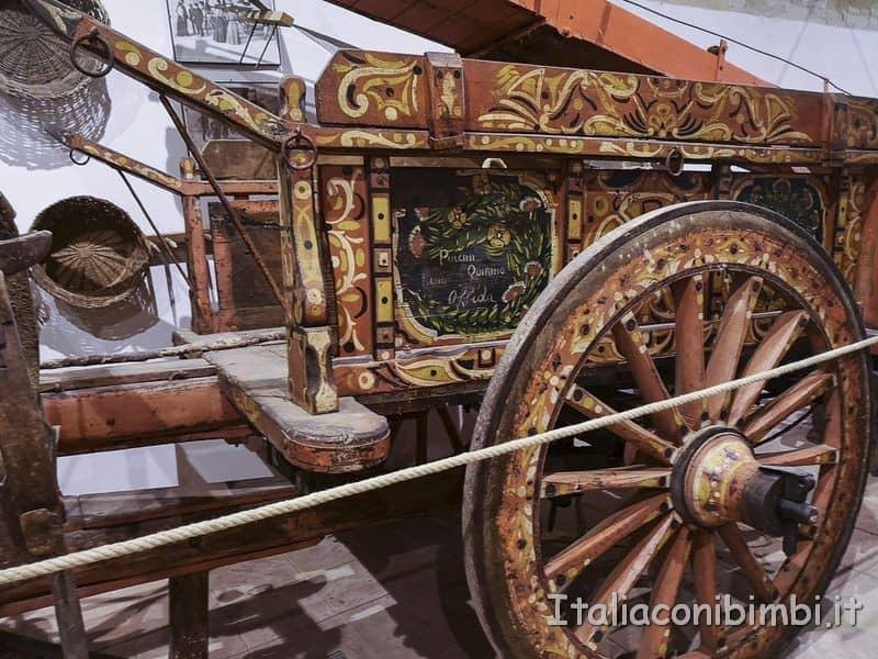 Ripatransone - Museo della civiltà contadina carretto