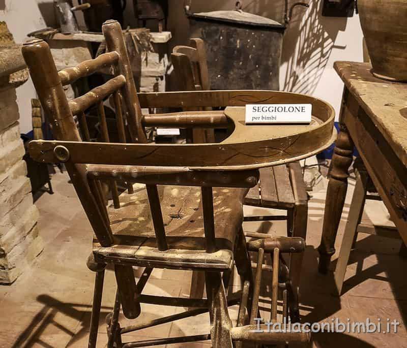 Ripatransone- museo della civiltà contadina seggiolone