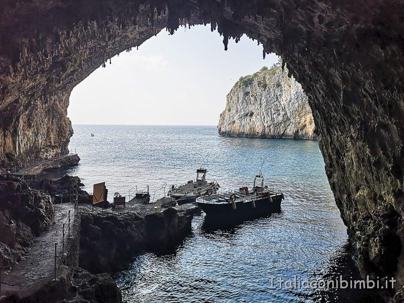 Salento- Grotta di Zinzulusa dall'interno