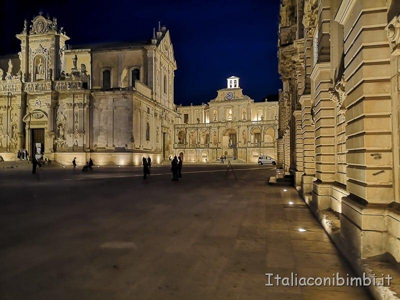 Salento- Lecce cattedrale di sera