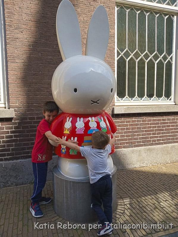 Utrecht- coniglietta Miffy