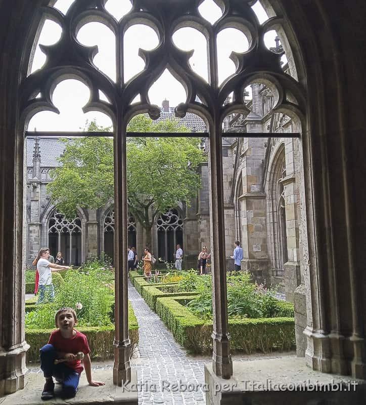 Utrecht- cortile interno del Duomo