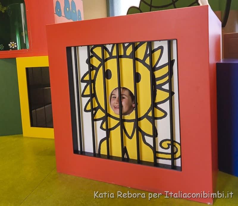 Utrecht- gioco leone Miffy Museum
