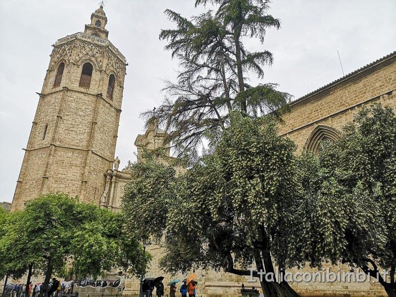 Valencia- Piazza della Reina altro lato