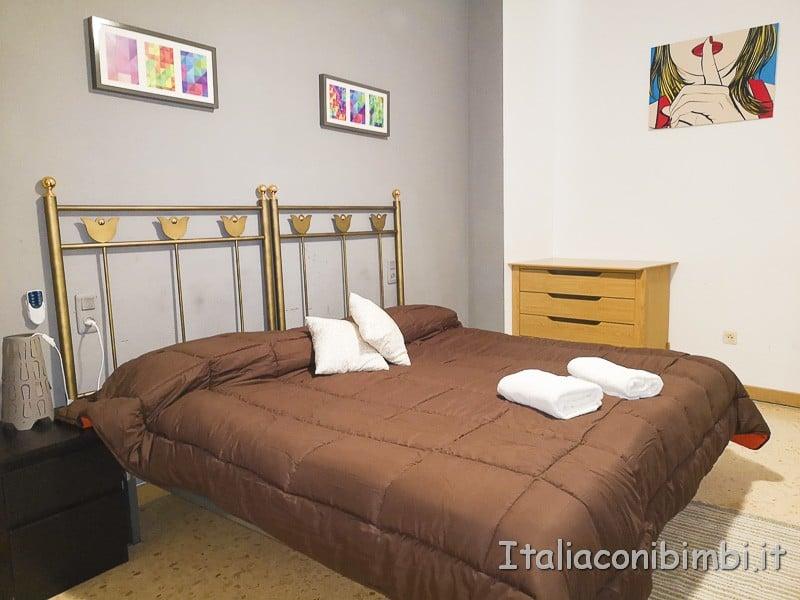 Valencia- camera da letto CheValenciaFlat