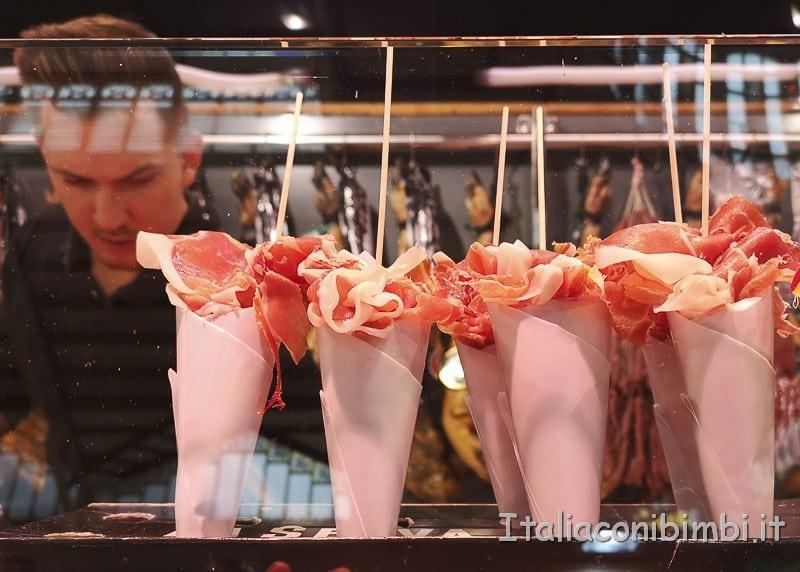 Valencia- coni di prosciutto al Mercato Centrale