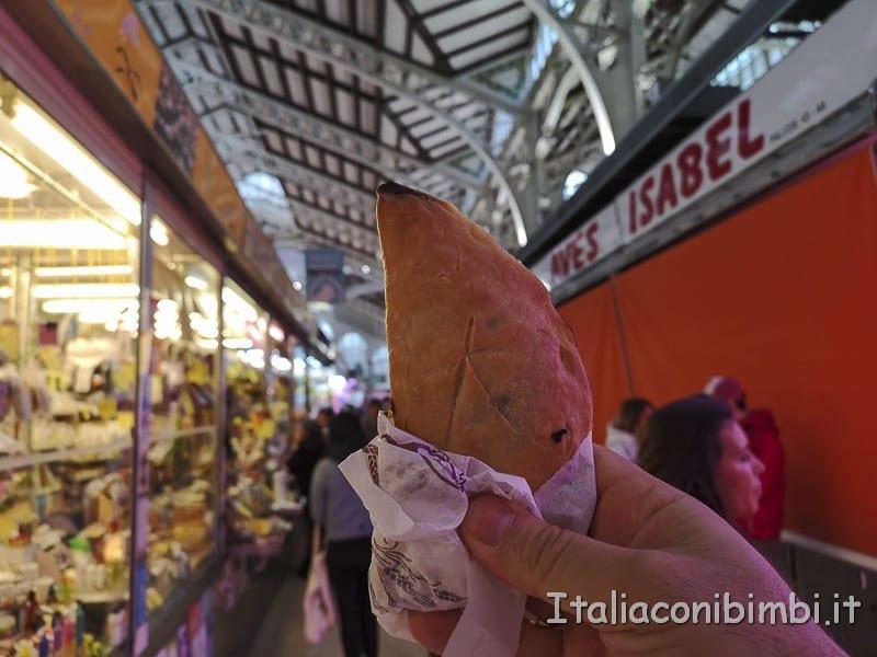 Valencia-empanadas-al-Mercato-Centrale
