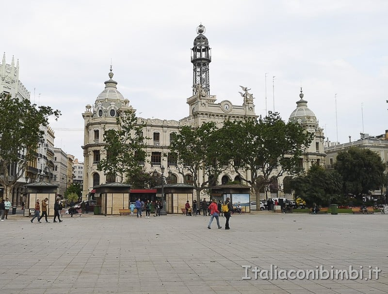 Valencia- piazza del comune