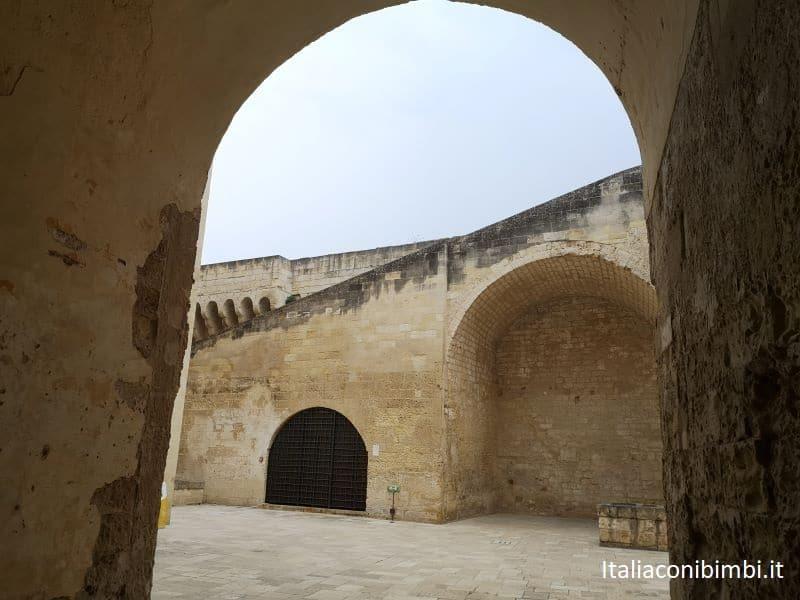 Arco al Castello Carlo V di Lecce