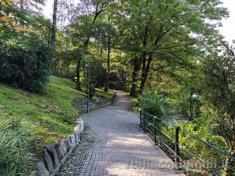 Merano - passeggiata sul fiume Passirio