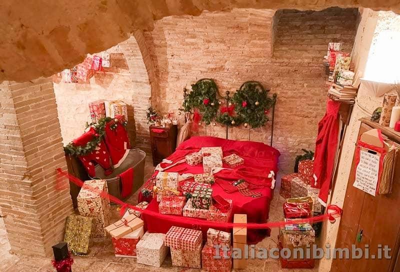 Magico Mondo di Babbo Natale - camera da letto di Babbo Natale