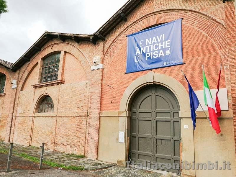 Museo-delle-navi-di-Pisa-esterno-del-museo