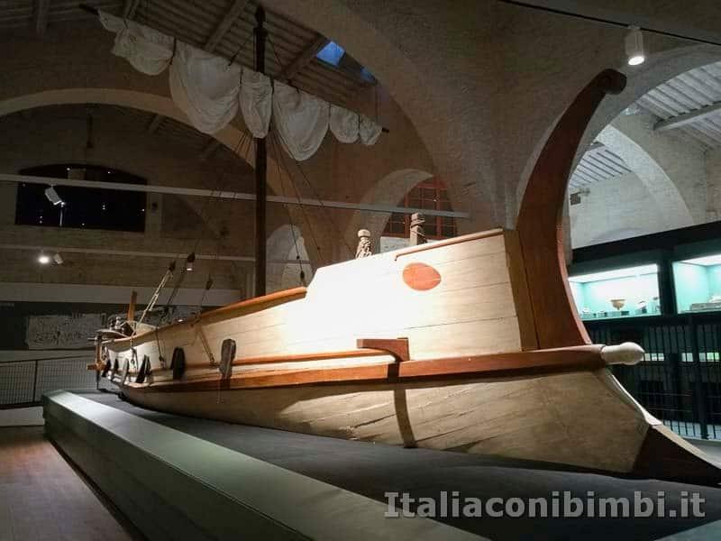 Museo-delle-navi-di-Pisa-imbarcazione-a-vela