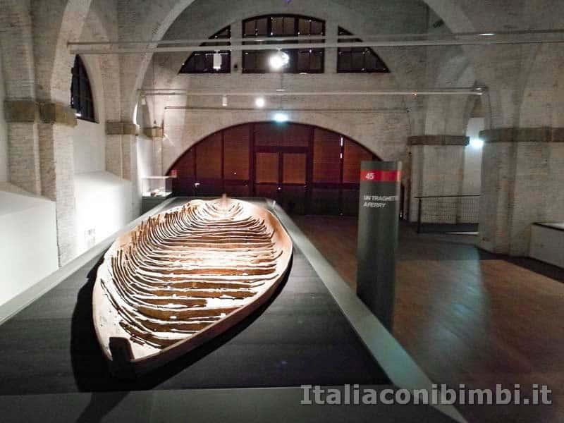 Museo delle navi di Pisa - imbarcazione antica