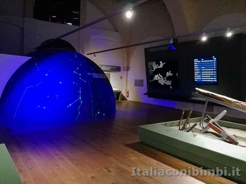 Museo-delle-navi-di-Pisa-le-rotte-delle-navi-con-le-stelle
