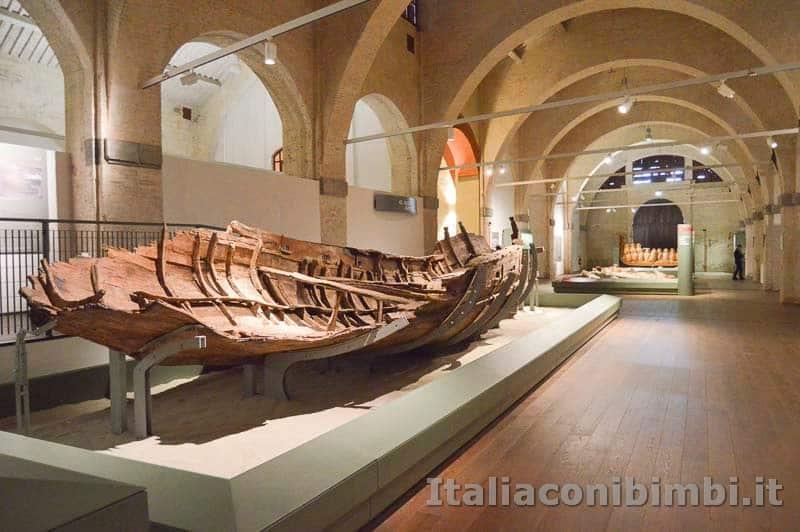Museo delle navi di Pisa - resti di una barca