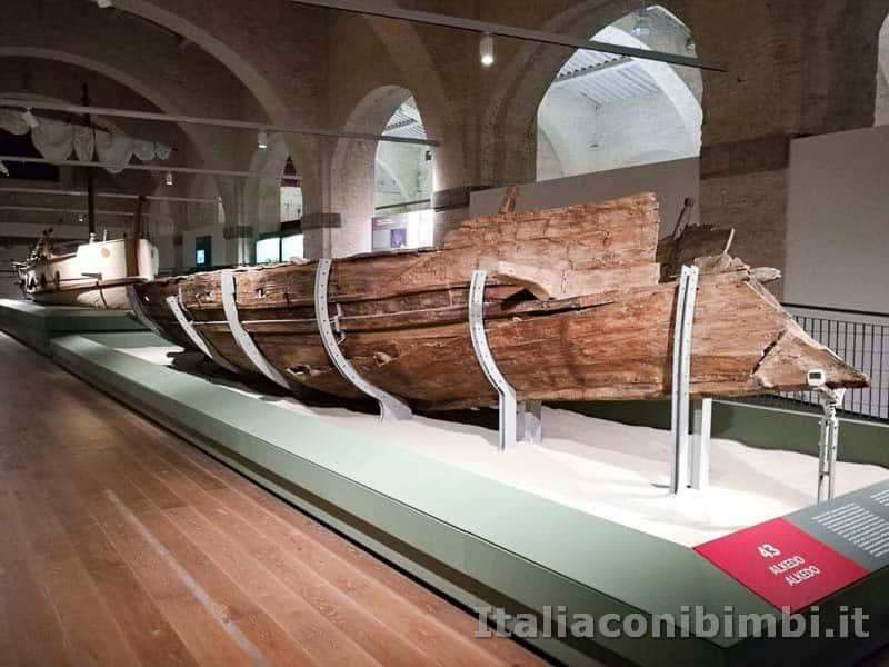 Museo-delle-navi-di-Pisa-resti-di-una-nave
