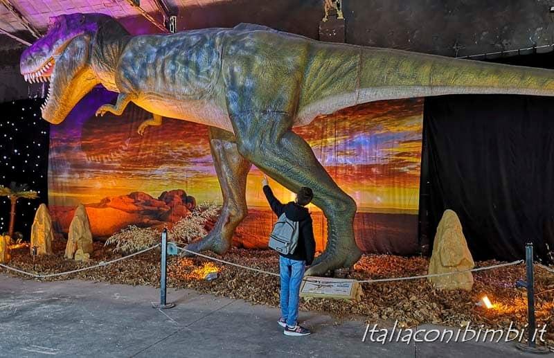Living Dinosaurs Mostra dei dinosauri Roma - dinosauro e mio figlio