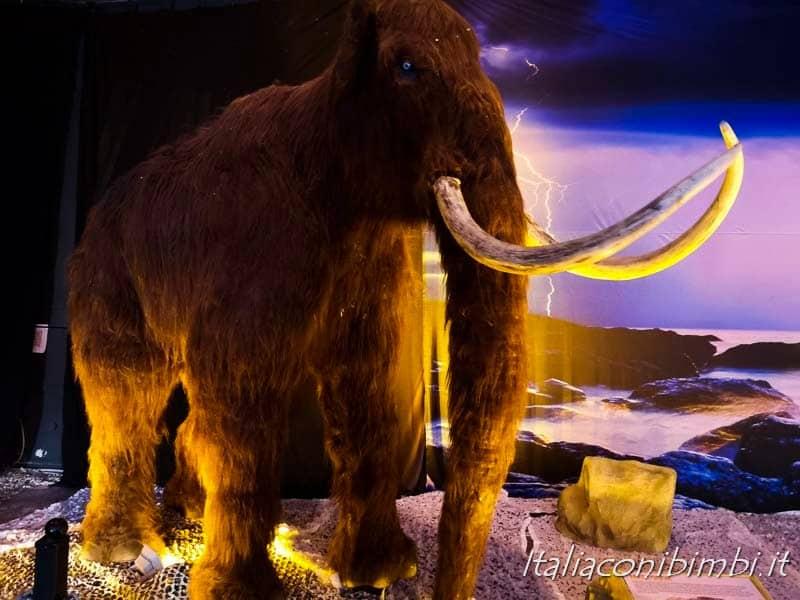 Living Dinosaurs Mostra dei dinosauri Roma - mammut