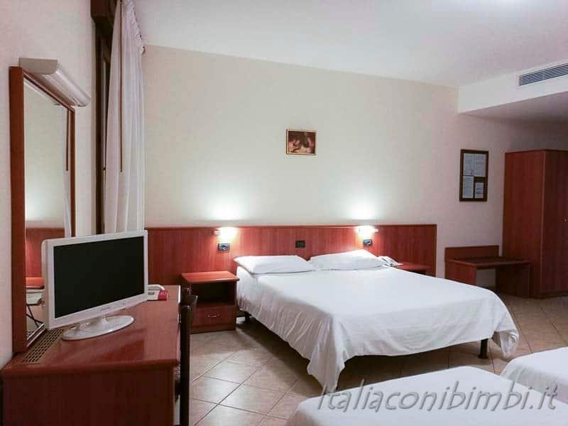 Padova-casa-del-Pellegrino-camera-da-letto