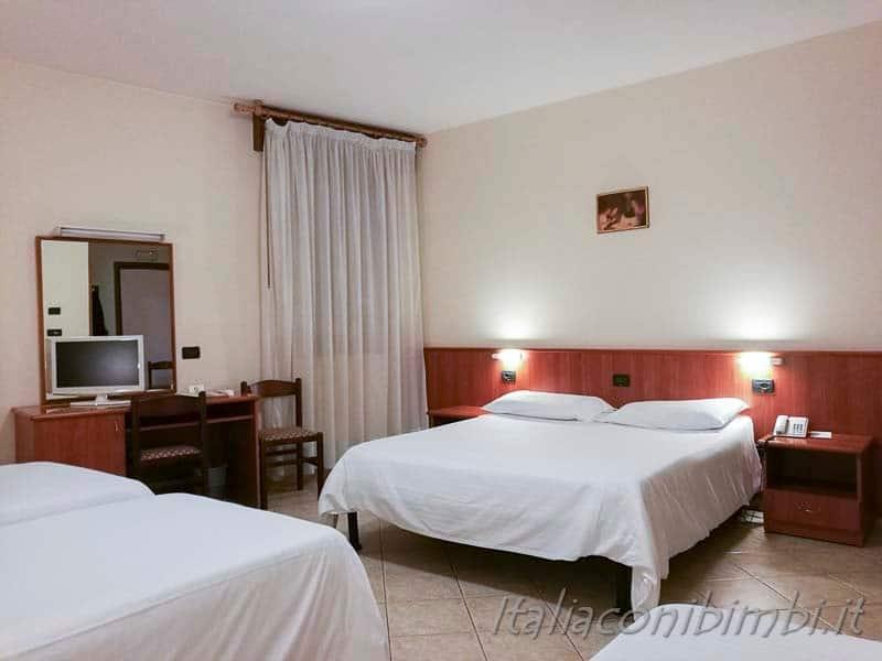 Padova-casa-del-Pellegrino-camera