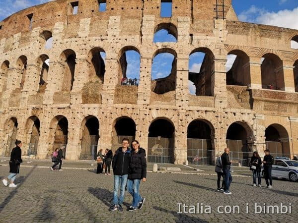 Roma - noi davanti al Colosseo