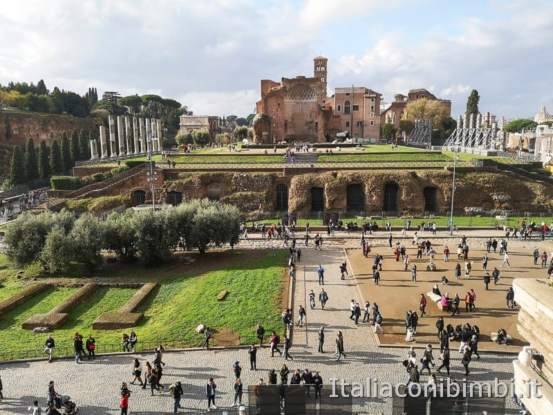 Colosseo - vista sul Palatino