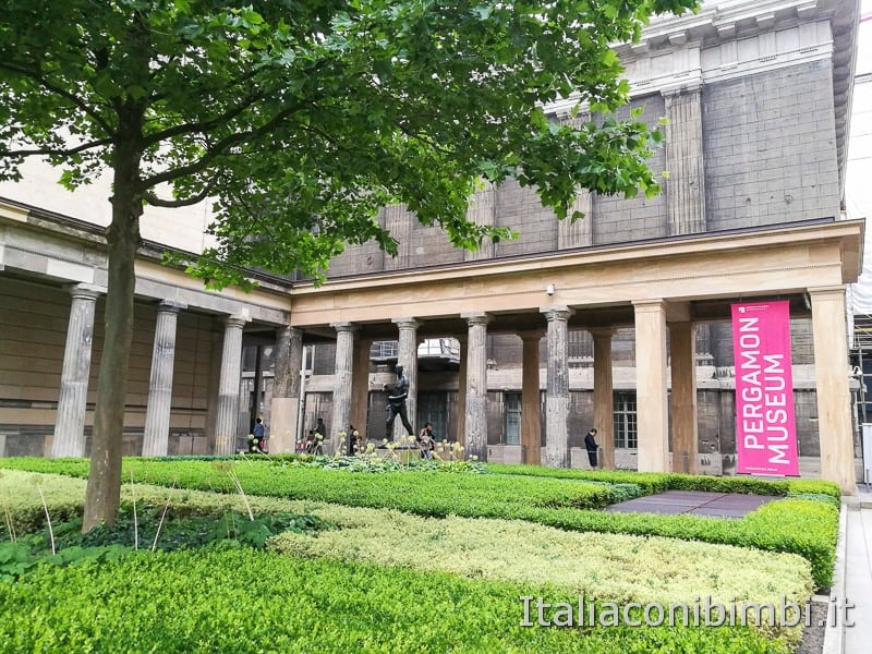 Pergamon Museum Berlino - esterno del museo