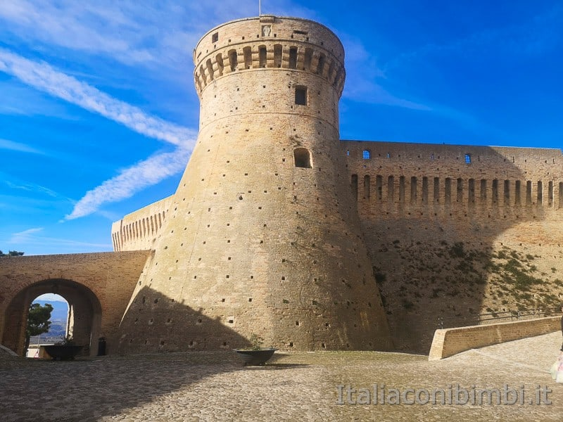 Acquaviva Picena - Piazza del Forte
