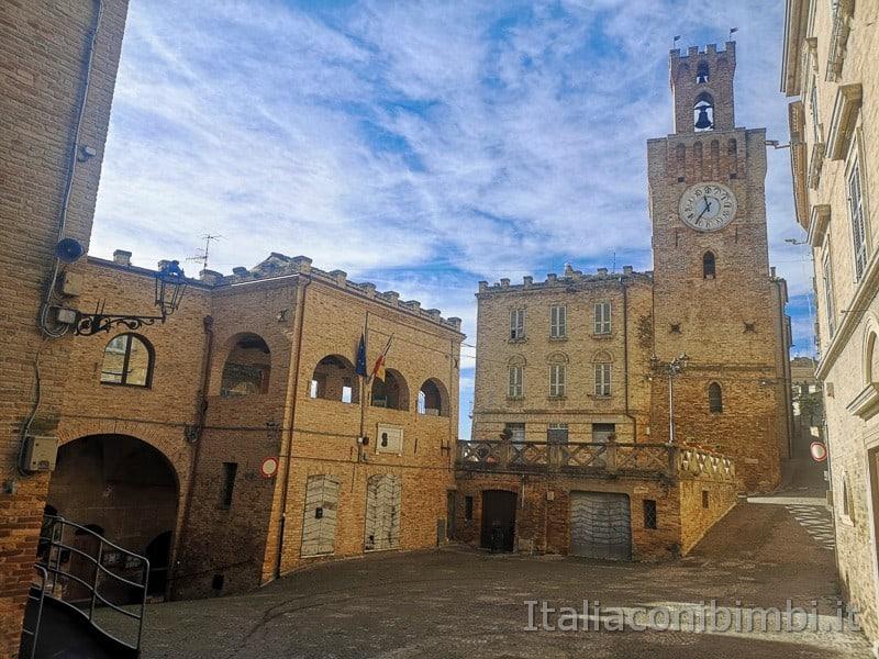 Acquaviva Picena - torre dell'orologio