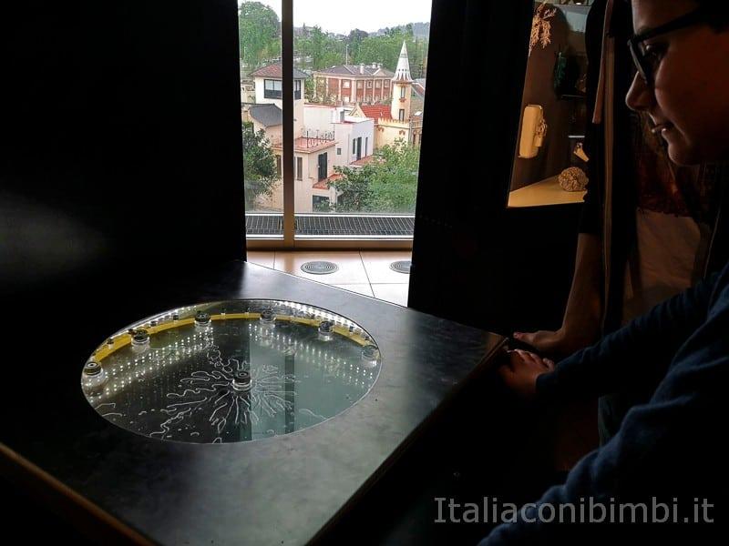 CosmoCaixa-museo-della-scienza-di-Barcellona-giochi-interattivi