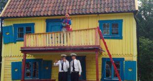 Parco di Pippi Calzelunghe - acqua sui poliziotti