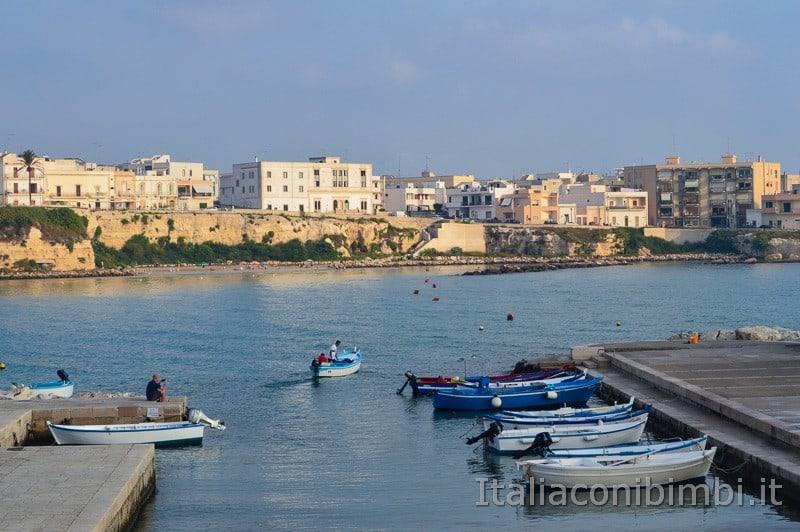 Otranto - barca che esce