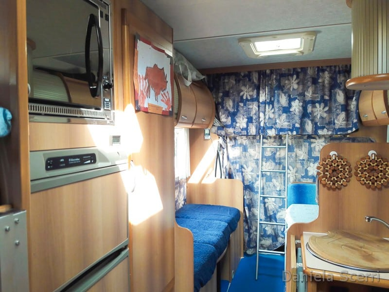 interno della cabina del camper
