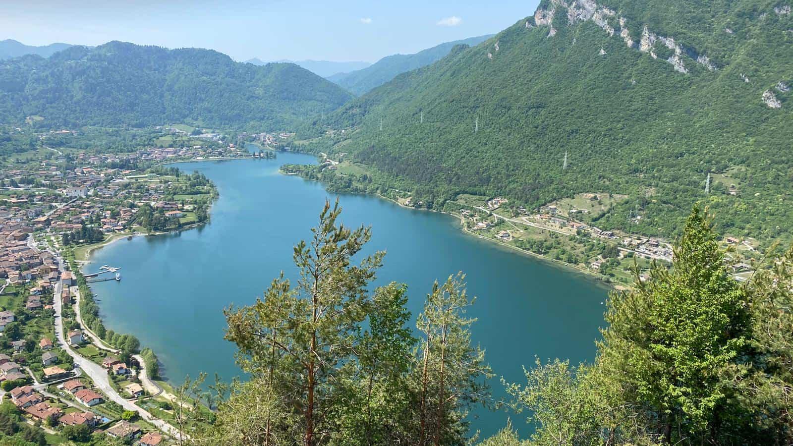 Vista lago d'IDro - Foto Credits camping Pilù