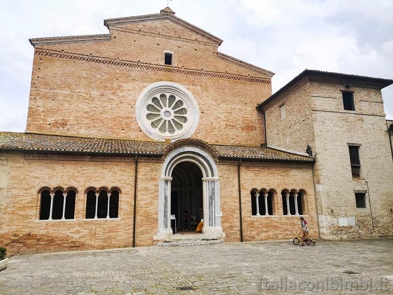 Abbadia di Fiastra- abbazia