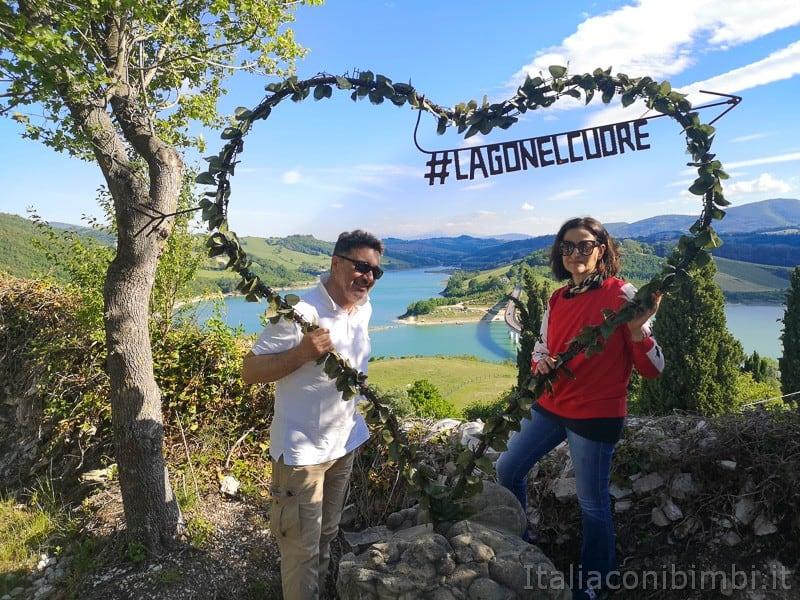 Lago di Cingoli- cuore per le foto