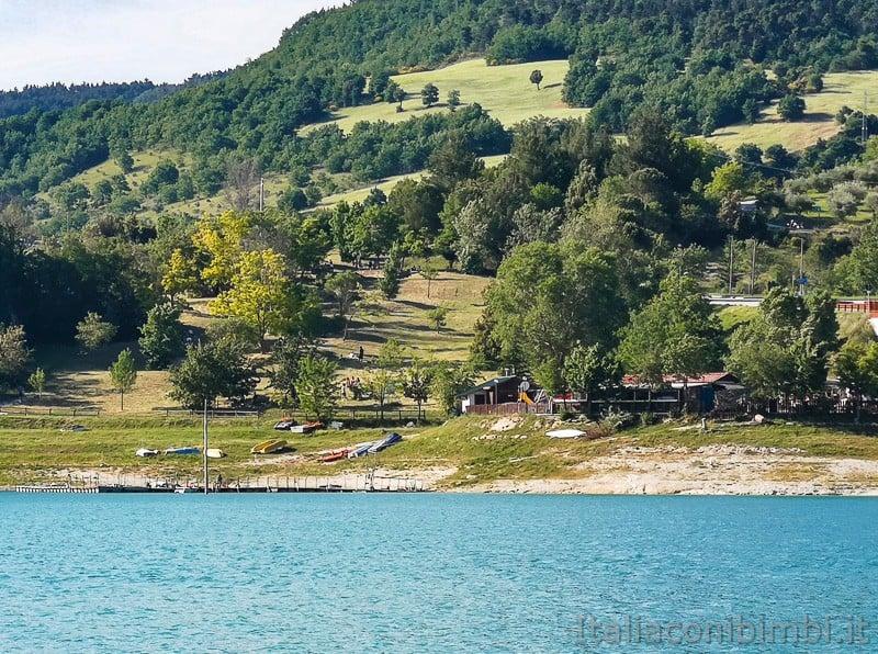 Lago di Cingoli- Baia di Popeye dall'altro lato