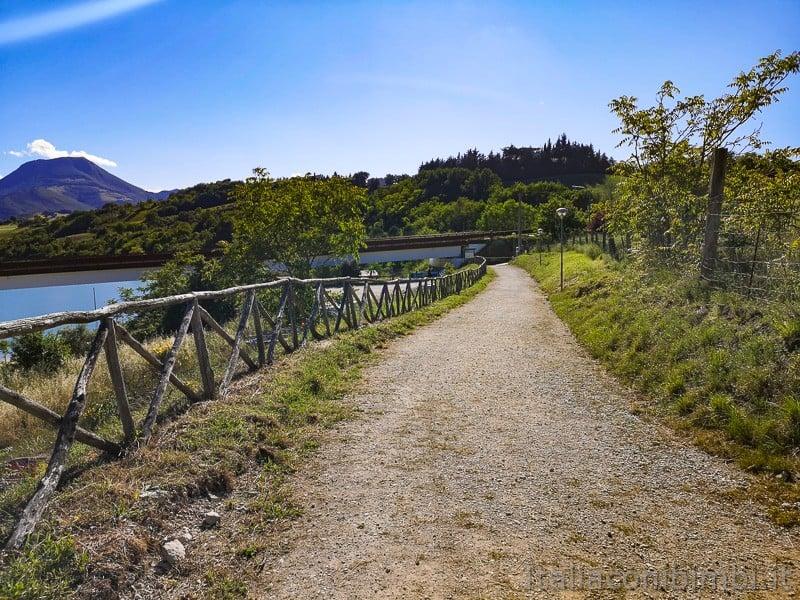 Lago di Cingoli- sentiero natura altro lato