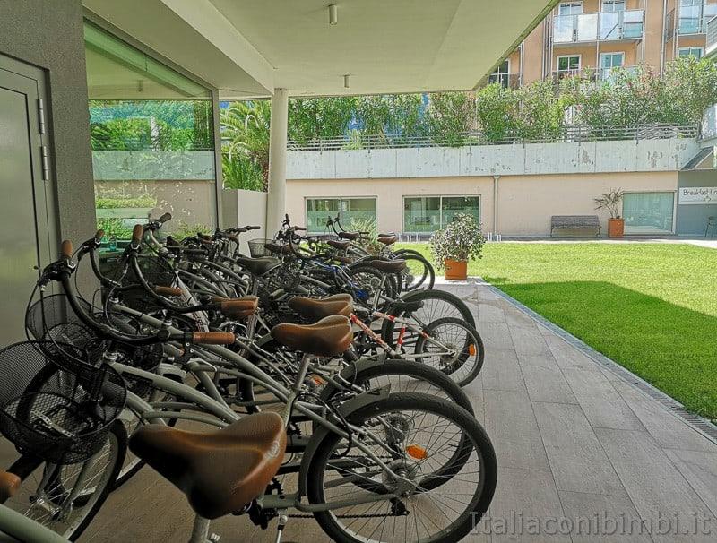 Residence Centro Vela di Riva del Garda- biciclette per gli ospiti