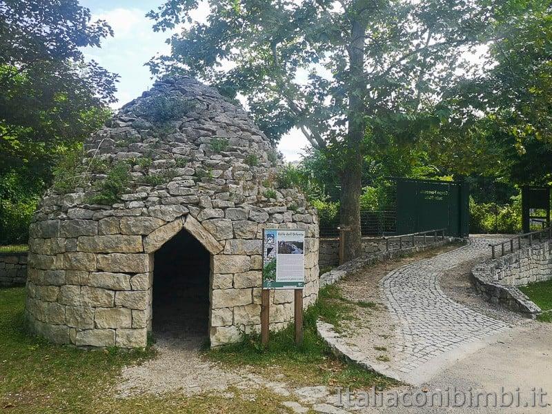 Caramanico - capanna in pietra a secco