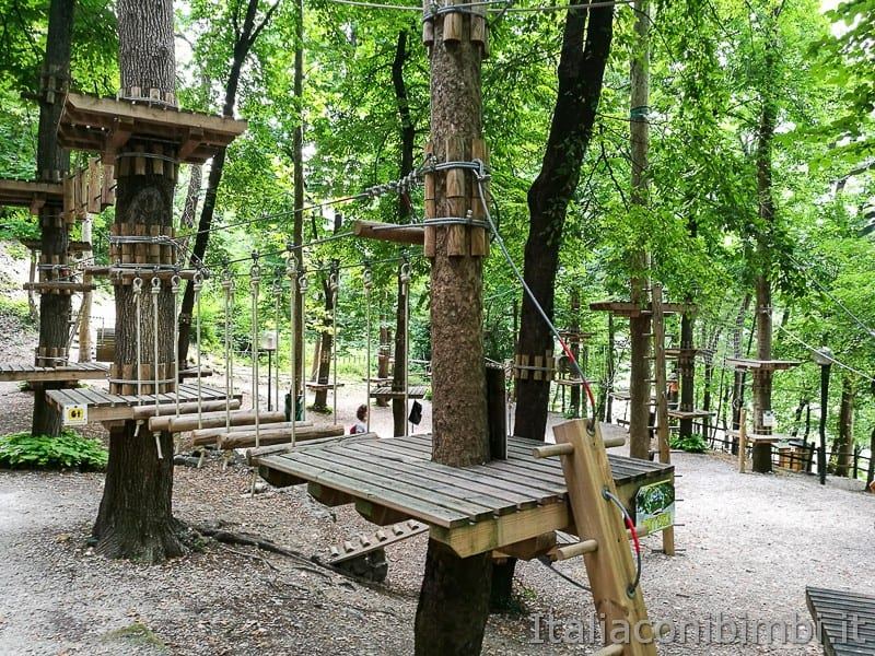 Caramanico-percorsi-del-parco-avventura-Majagreen