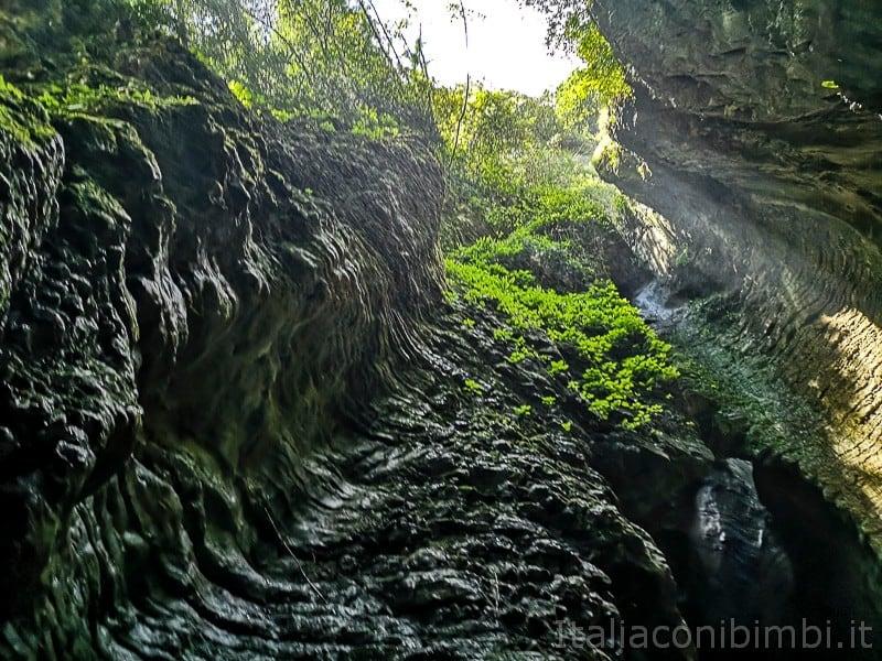 Cascata del Varone- grotta della cascata